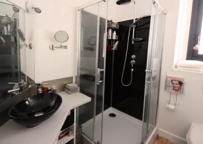 """Photo de la salle d'eau """"après"""""""