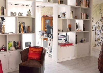"""Photo séjour intérieur avec la bibliothèque""""après"""""""